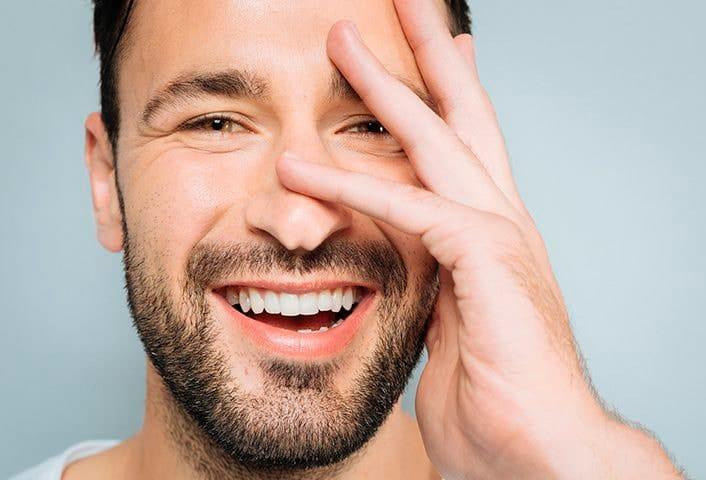 Attica transplante de sobrancelha